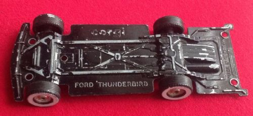 Corgi #810 - Original - 1957 Ford Thunderbird - Baseplate with 4 White Walled Tyres and axles.